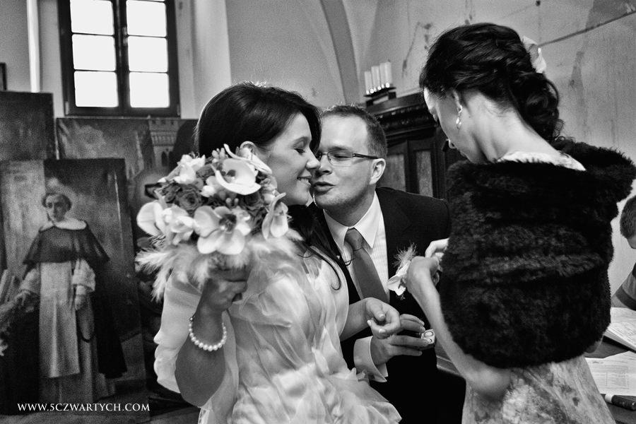 zakrystia, dominikanie, Lublin, Agnieszka Rusinowska, Marcin Rusinowski, 5czwartych, fotograf ślubny, reportaż ś›lubny, Leica M9