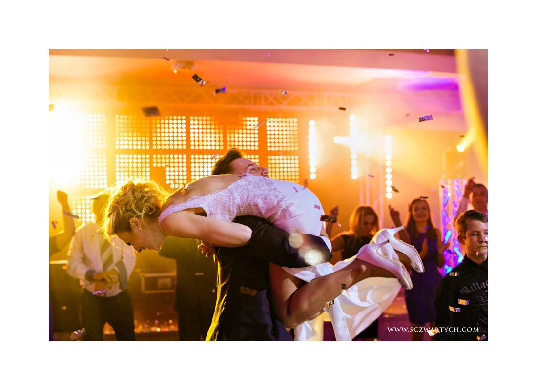 Milena Artur Hotel Binkowski Kielce 5czwartych zdjęcia ślubne reportaż ślubny przyjęcie ślubne zdjęcia ślubne fotograf ślubny