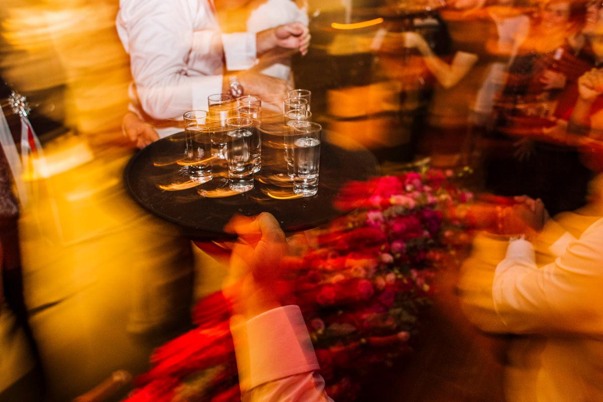 slub koscielny w plenerze slub plenerowy przyjecie weselne wesele ceremonia plenerowa zdjecia slubne fotografia slubna fotograf slubny reportaz slubny 5czwartych Warszawa Lódz Wroclaw Gdansk Kraków Opole Wroclaw Lublin